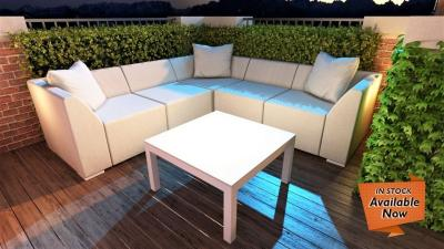 Buyer's Guide: Sunbrella Fabric Furniture