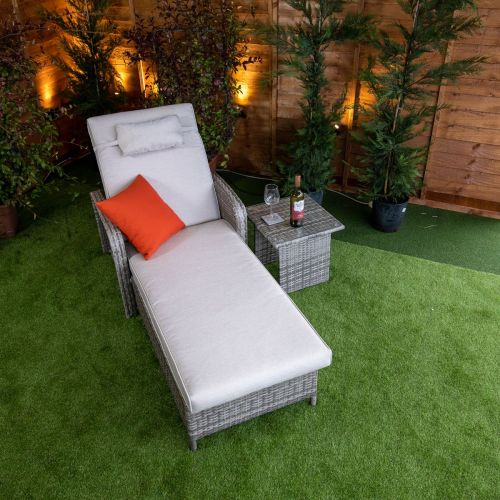 Champagne Venice Wheeled Lounger With Arms