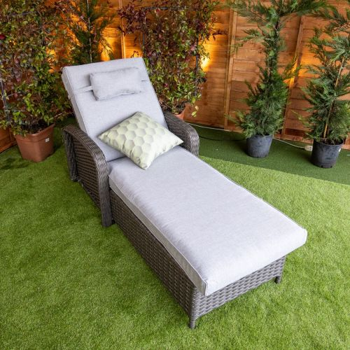 Platinum Venice Wheeled Lounger With Arms