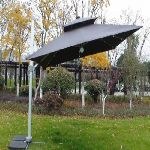 Deluxe 3m Square LED Cantilever Parasol in Grey